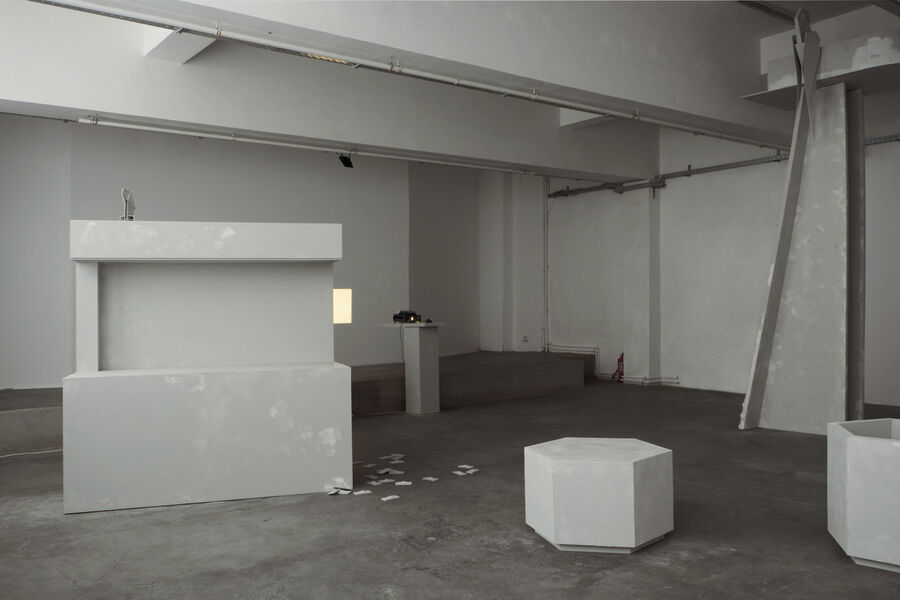 Kristin Wenzel - Installation in in the the future future #2